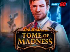 Играть в слот Tome of Madness в казино Вавада